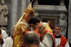 abbraccio_cardinale