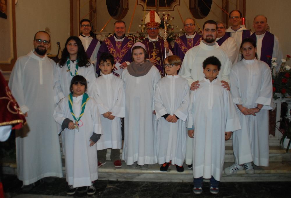 44 sacerdoti e chirichetti