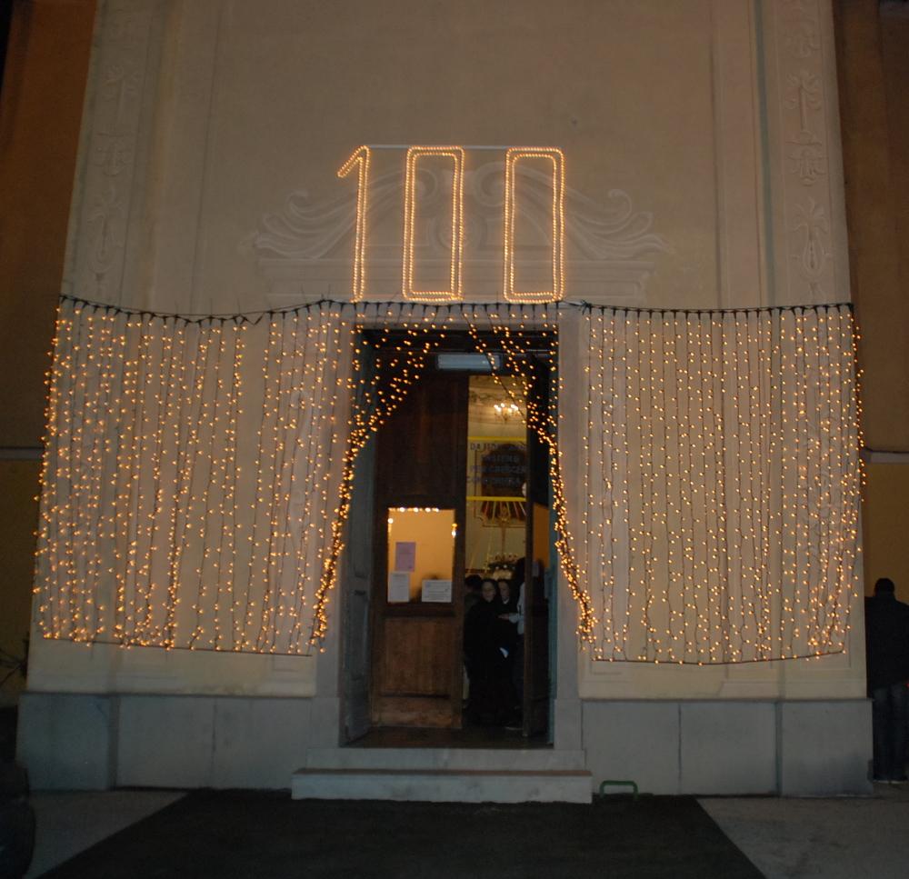 49 ingresso chiesa illuminato