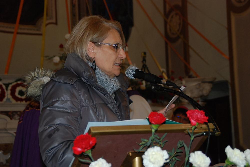 7 Mery presenta la comunità al vescovo Anselmi